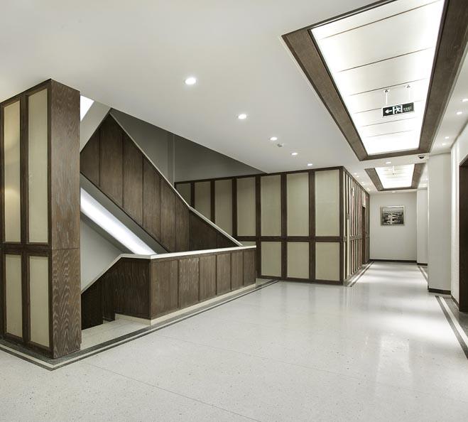 欧式服装公司设计部办公室