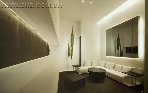 分别通过建筑设计,室内设计,中外绘画,书法作品,日常摄影等不同形式与